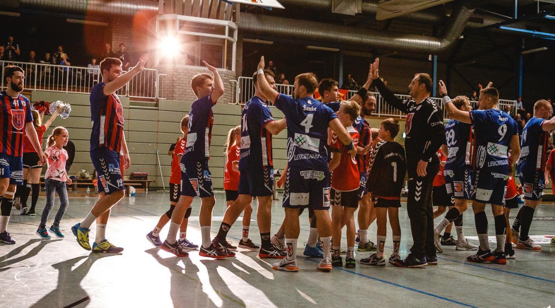 Es ist alles angerichtet für das Topspiel der Regionalliga Nordrhein. Dinslaken ist zu Gast in Ratingen.