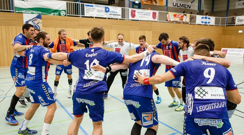 Die Löwen feiern einen 31:21 Heimsieg gegen den TSV Bonn rrh.